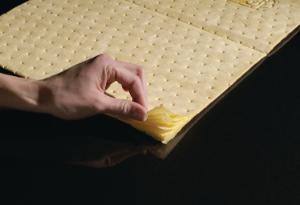 High visibility absorbent mats, PIG®